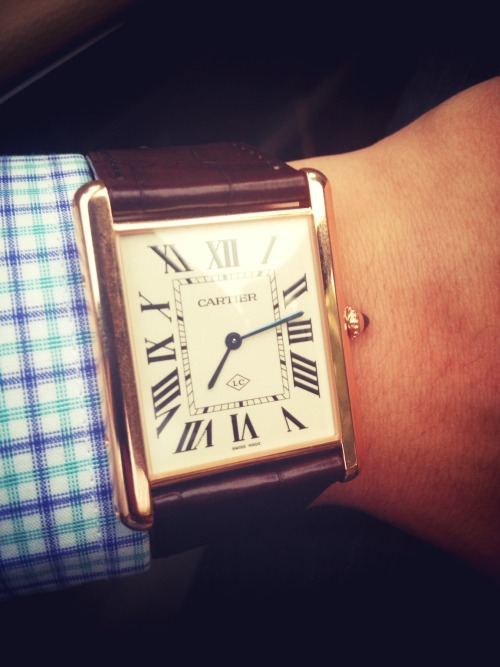 😑Aged enough for first golden watch: Tank Louis Cartier at 宇宙临终关怀俱乐部 – View on Path.