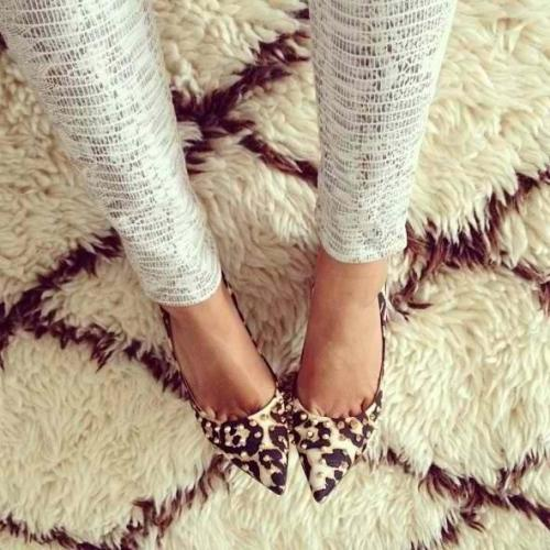 Snakeskin leggings + leopard print pumps