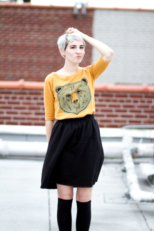 kittenhoods:  (via Kitsune-kun: Bear shirts are fun(ny))