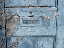 umla:  gorgeous old letterbox on a derelict building by Jennie Filer Photography on Flickr.