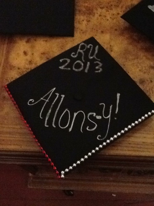 mymommysaysimspecial:  I wear a graduation cap now, graduation caps are cool. Rutgers graduation in the morning!!! Thank to Hindi for being my fav artist!