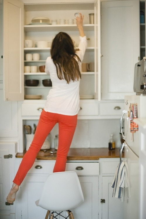 Cute kitchen!  ANd fun pants. That c
