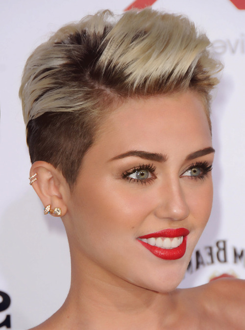 this-is-the-real-liz-xo:  ziggaret:  i love me some miley   Why u so perfect?