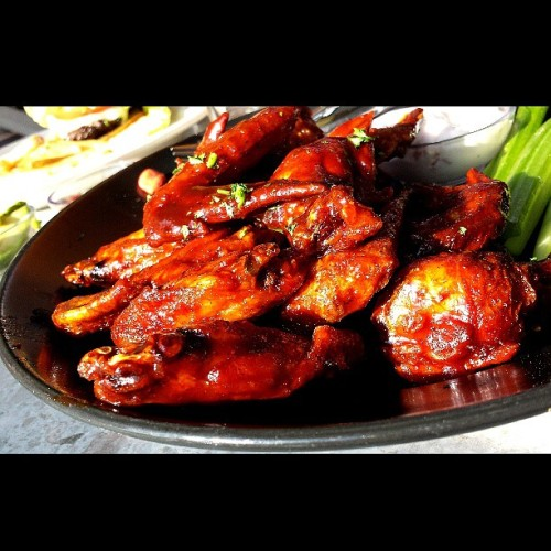 sykoe:  #habanero #redwings #chicken #motorcity #food #detroit #hiphop I love spicy hot messy foods.
