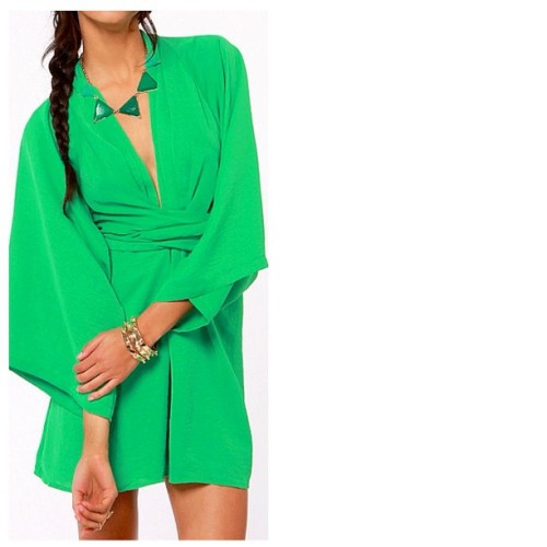 Available now at shopfaera.com #blaquelabel #greendress #dresses #springdresses #musthave #womensclothing #haute #summer #spring #shopfaera #ootd #style #fashion #summerfun #springbreak #getdolledup (at www.shopfaera.com)