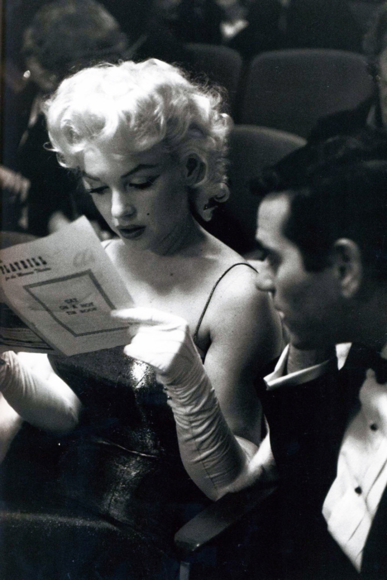 Marilyn Monroe attending Tennessee Williams's play, Cat on a Hot Tin Roof. 1955. Photographer: Ed Feingersh