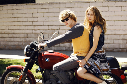 Evan Peters and Taissa Farmiga take another ride in Season 3 of American Horror Story @AHSFX @pfraserphoto @t_farmiga @MrRPMurphy
