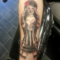 sexy catrina :) #tattoos #tattoo #tattooer #tattooist #tattooartist #tattooed #tattoostudio #missrie #tattooistartmag #artist #drawing #sketch #catrina #dayofthedead #sugarskull #candyskull