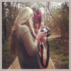 Shooting some lovely headdresses for rouge pony #bts #model #location #shoot #garland