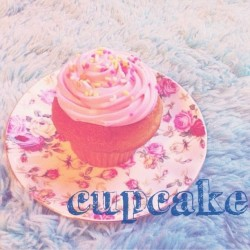 カップケーキ♡ これはおいしかった✡  #yummy #cupcake #sweets #pink #cute #lovely #romantic #girly #pastel #pastellover #softly #soft #softtones #softcolor
