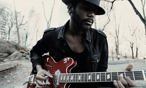 Music Tuesday with Gary Clark Jr, Robyn Hitchcock, Django Django, Woodkid, Efterklang, Bonnie Raitt, Marvin Gaye (in German) & Guards…