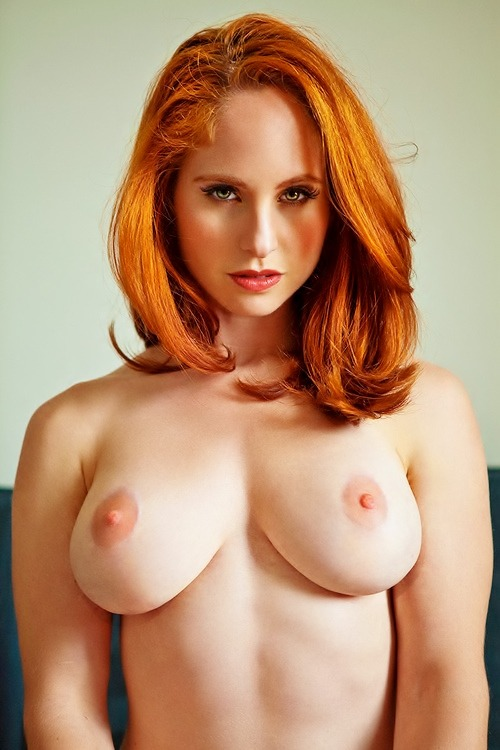 More boobies, more nipples, breast Please! Love Redheads.