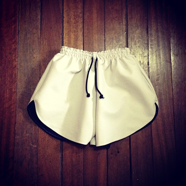 Sporty chic (NLPZ white leather running shorts, http://nlpz.tumblr.com)
