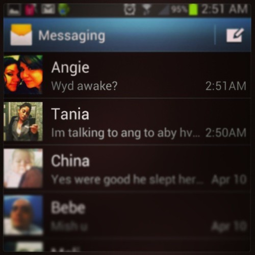 Txting with ma girlz at 3 in a dam mornin! Lol they the Bestest @angieisafeline. @hellotania69 #BootyClap #Besties #ROD