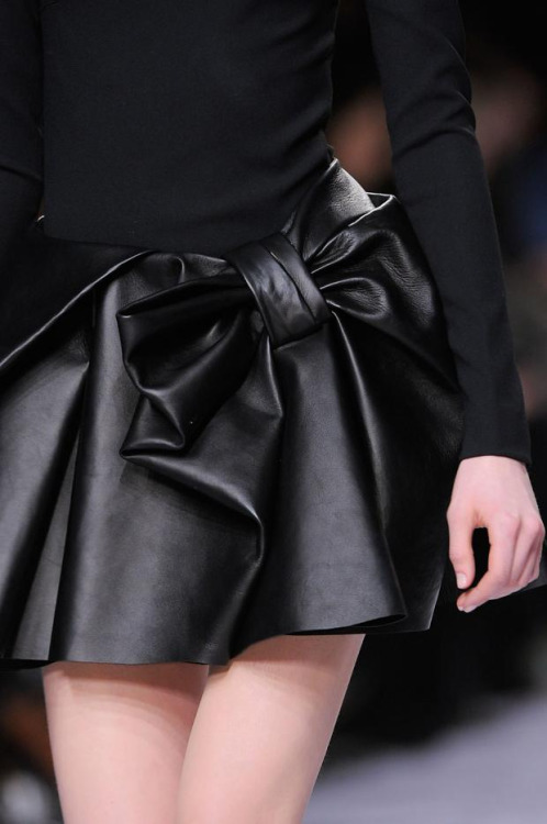 hereitsdecembereveryday:  l-acus:  Viktor & Rolf fw 2013  oh my god i need this