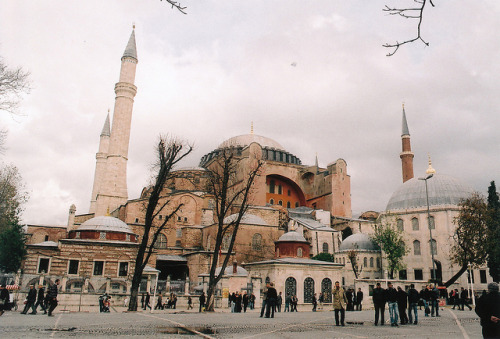 s-tuttered:  hagia sofia by iamthechanster on Flickr.