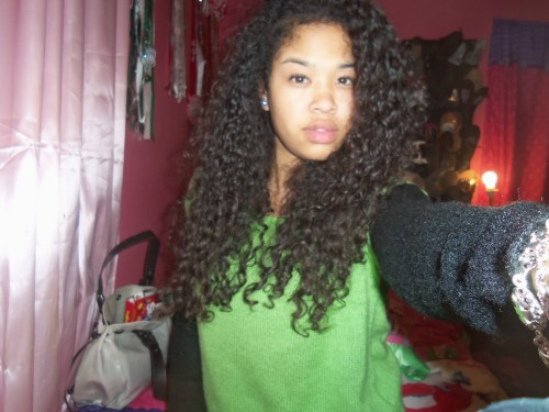 curlyyhairedbeauties:  http://chapter18-adt.tumblr.com/