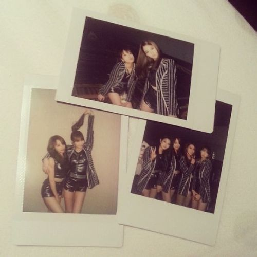 karalalala:  colejjang:  Cole tweeted these polaroids along with: Today ! 오랜만에 넘 신나는무대였구..사진도왕창찍엇단걸^^하라구아쉽게없지만ㅜㅜㅎ  translation: Today ! It was a very fun stage..we took lots of pictures too ^^ But it's too bad Hara wasn't thereㅜㅜ Translated by yooniqda_