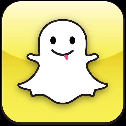 Does anybody even have Snapchat?.. Lol.. If you do hit me up.. Allthewaylive90 #snapchat #isthisthingbroken #newapps #ihatetexting #E #downloadit #hashishtag #blazed #makeitstop #yourmomhasit #smokewithme #weedcookies #goodshit #okimdone