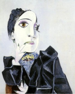 Pablo Picasso - Dora Maar with Green Fingernails, 1936
