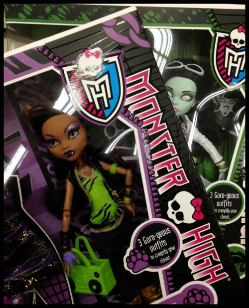 Nothing makes you feel better than a little retail scarerapy finding new dolls! It's even more fangtastic when that find is something you designed! Designer feels!!!