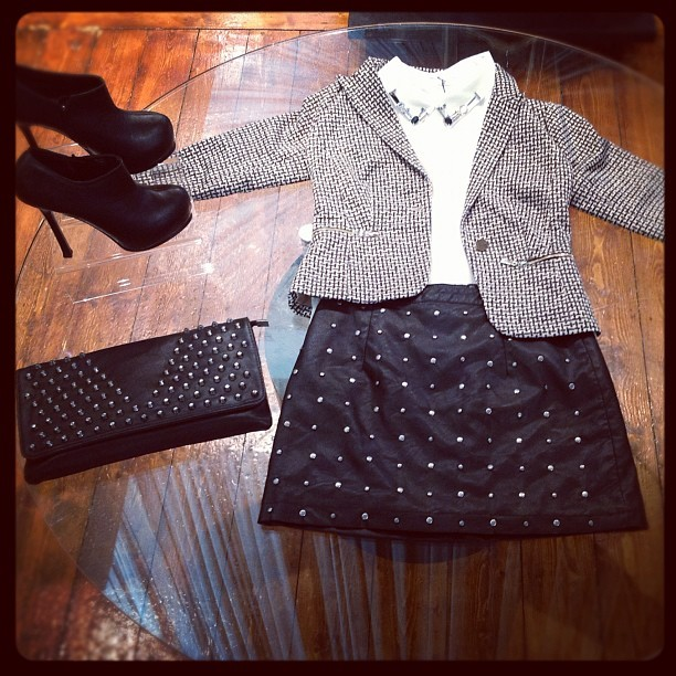 Outfit of the day! Xxx  #fabric #fabricboutique #fabric_boutique #fashion #whatimwearing #girl #girlpost #musthave #newseason #newcollection #blazer #blouse #studs #bags #shoes #2013