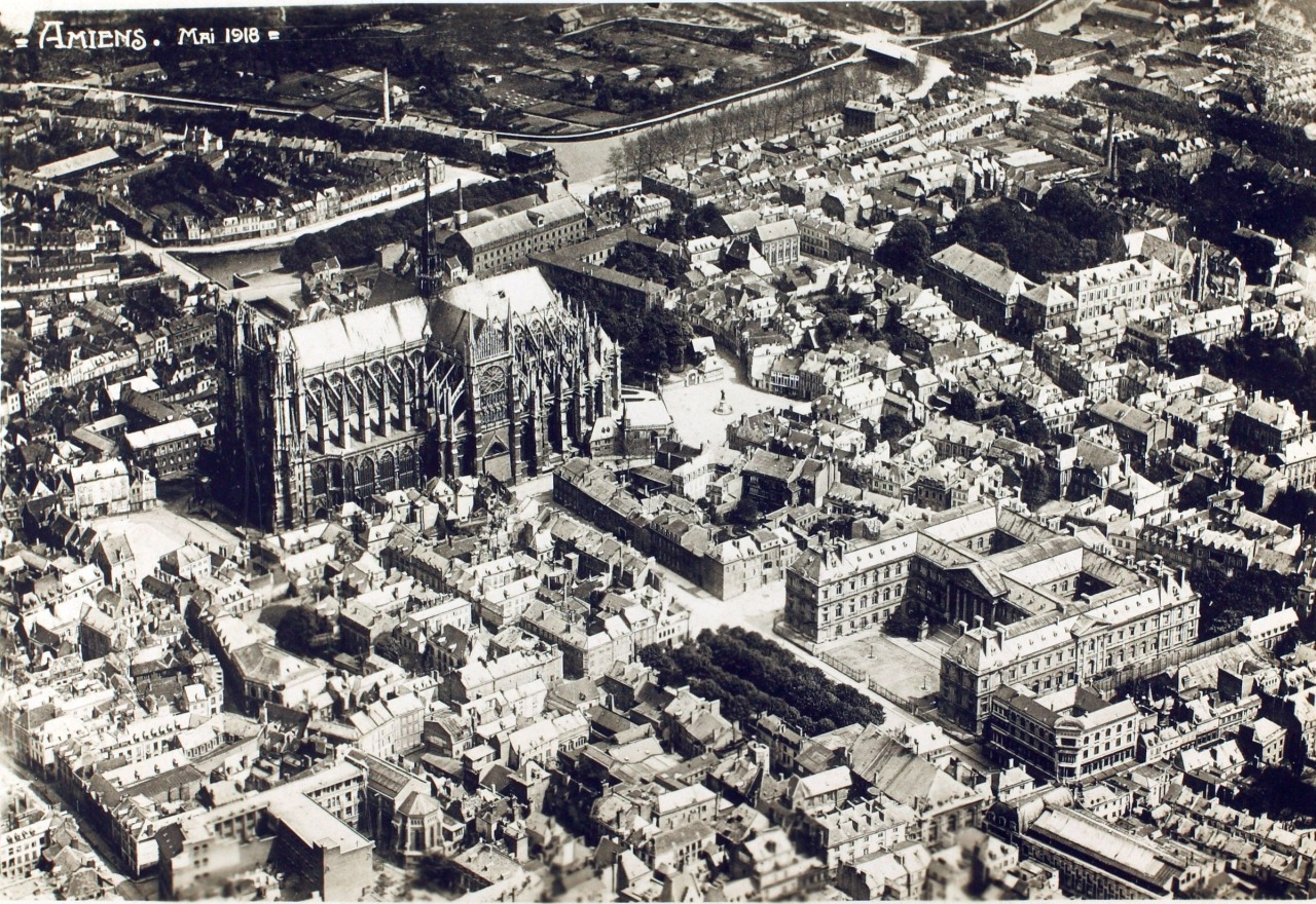 Aerial view of Amiens in 1918