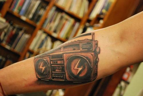 reppsihodelija:  Tattoo | via Tumblr on We Heart It - http://weheartit.com/entry/61117226/via/gagasskzs   Hearted from: http://supergeniustattoo.tumblr.com/post/16026218972/boombox-tattoo-by-nicholas-beuthien-at-super