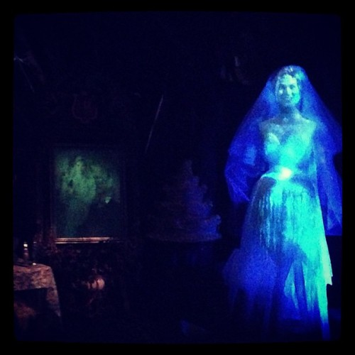 kellyeden:  #disneyland #hauntedmansion …. Yawn- replica of our house.  Why go on the haunted mansion ride when I could stay at home in my own haunted mansion  @mickfeto @trevor_friedrich
