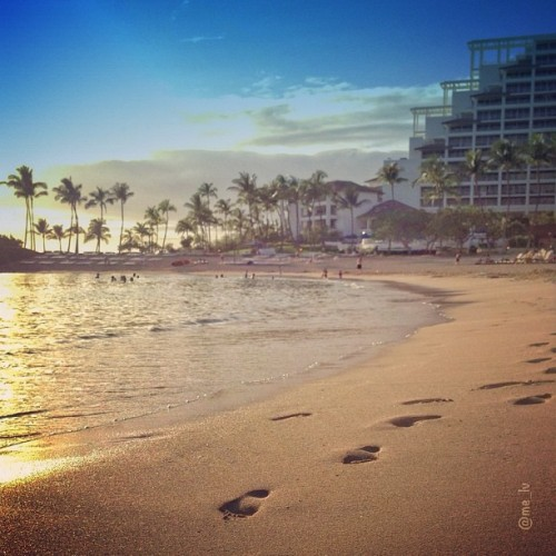 …. | Happy Aloha Friday Friday friends! Ko'olina, Hawaii • ♒ — photo taken by me_lv