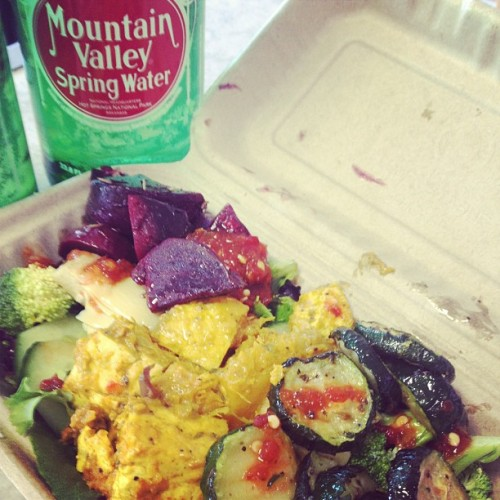 YUM! Hot bar grinds… Weird combo! Salad topped with curry butternut squash, rosemary roasted beets, lots of cucs, sambul sauce, apple cider vinegar & olive oil. And my FAV water… Mountain Valley Spring! #island #naturals #kona #mountain #valley #spring #water #healthy #organic #salad #hawaii  (at Island Naturals Kona)