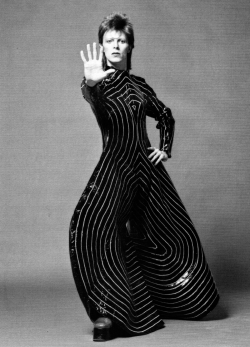 candypriceless:  David Bowie in Kansai Yamamoto body suit