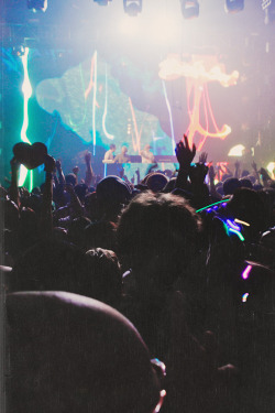 plurfection:  TATW 350: Above & Beyond by Caesar Sebastian    GIRLS & PARTY  check out my instagram! :)