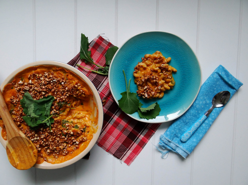 octagon-surgeon:  sweet potato kale mac n' cheese (recipe and photo via Sunday Morning Banana Pancakes) This is seriously my favorite thing to make. It's pretty simple, and has some nutritional value to it. The original recipe is vegan. I deveganize it when I make it, because I already have cheese in my kitchen.