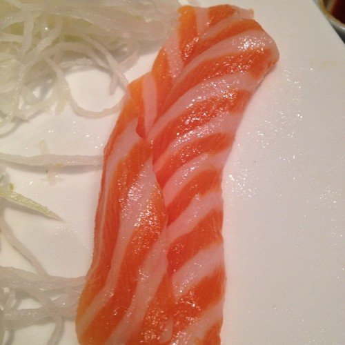 Fattiest salmon sashimi I ever did see #salmon #sashimi #japanese #food
