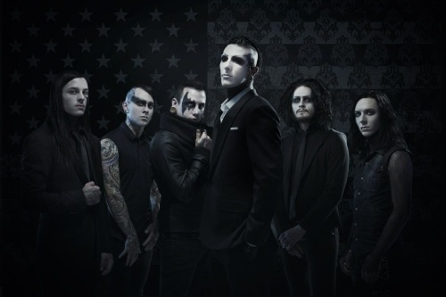 chrismotionless:  Back at full strength. 6 strong.