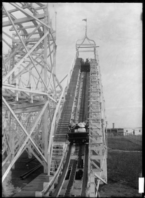kiwihistory:  Wonderland roller coaster at the Auckland Exhibition, ca. December 1913. By William Archer, Ref: 1/2-001147-G. Alexander Turnbull Library