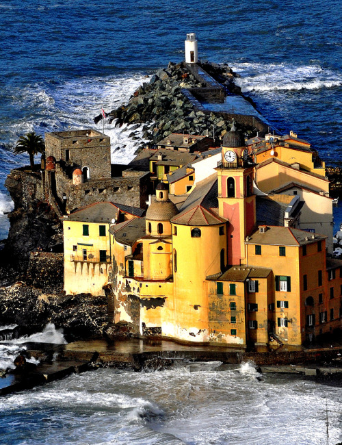 PHOTO of the day | January 30, 2013 | Camogli, Italy