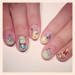nailsalonavarice:  Marine art nails #avarice #art #design #nails #nailart #nailsalon #marine  (NailSalon AVARICE)