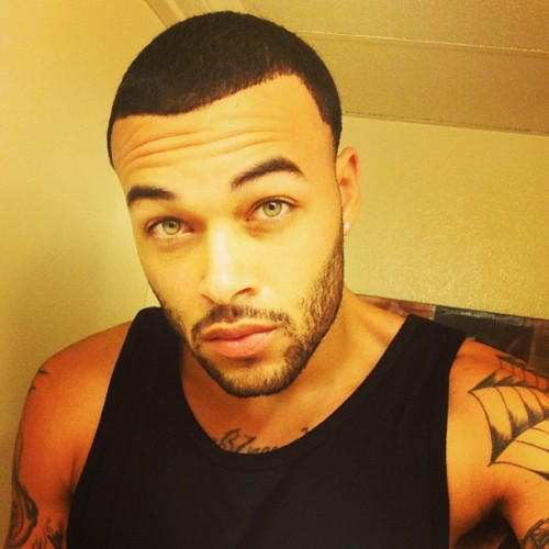 donbenjamin:  Good morning World.. Off to the gym. #WorkoutFlow #EarlyMornings #Selfie #ThirstyThursday