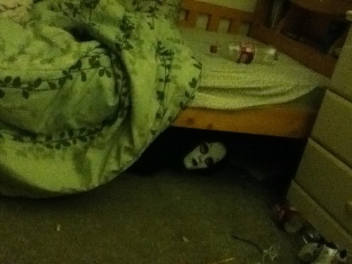 fou-nd-you-forever:  I WALK INTO MY ROOM AFTER MY SHOWER AND SEE THIS MY FAMILY FUCKING SUCKS OKAY