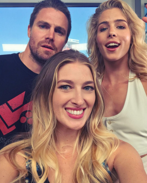 leanneaguilera: Continuing today's' trend of selfies with your favorite CW couples.... #Olicity Edition #Arrow #ETComicCon