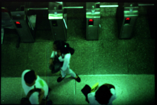limita salidas on Flickr.vemos Metro Caracas  analogue@FiverWeed twitter | flickr | tumblr | blogger | facebook