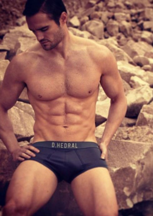 Retired rugby star Thom Evans is winning new fans as the new face (and body) of D. HEDRAL.MORE IMAGES HERE: http://bit.ly/108eqzx