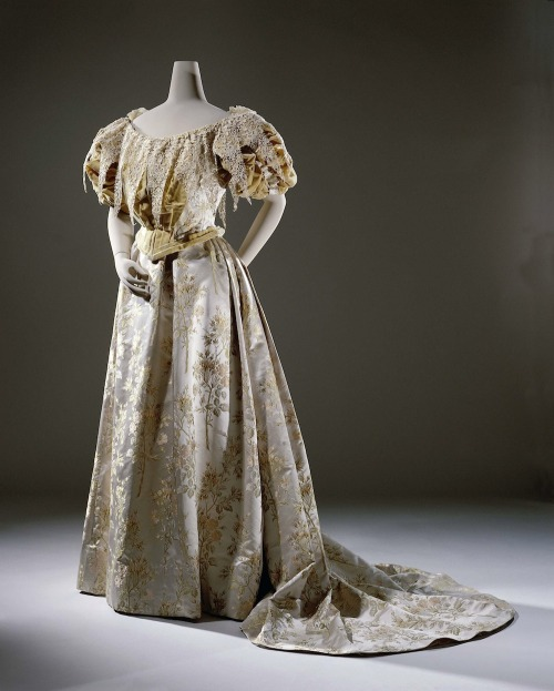 Evening dress ca. 1894-95 From the Rijks Museum