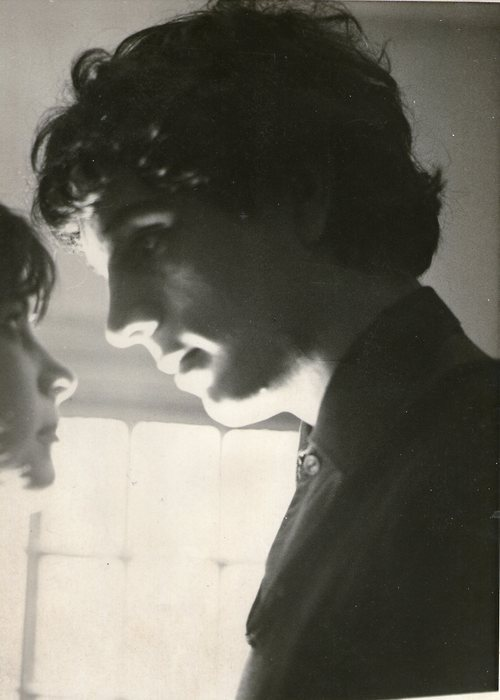 stardustlette:  licetinsanire:  SYD BARRETT  I would give up  everything in my life if it meant that Syd would look at me like this ONCE.