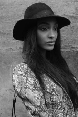 darexo:  timetopretend01:  Jourdan Dunn  Models//Soft Grunge, following back similar ♡