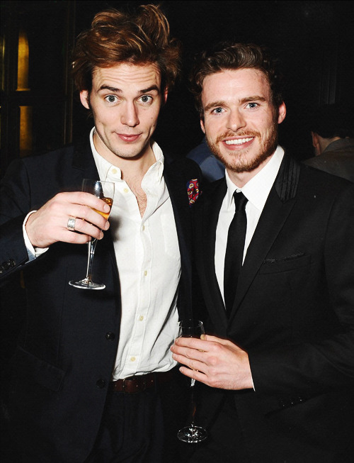 notkatniss:  Sam Claflin and Richard Madden (slightly drunk) at Esquire Pre-BAFTA Party