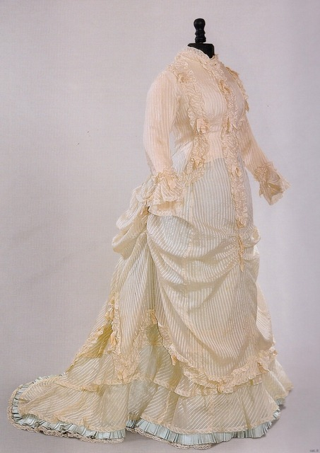 "fripperiesandfobs:  Afternoon dress ca. 1876 from ""Impressionism and Fashion"" at the Musee d'Orsay via nuescha   i just want to wear things like this.  'oh this is just my afternoon dress.'"