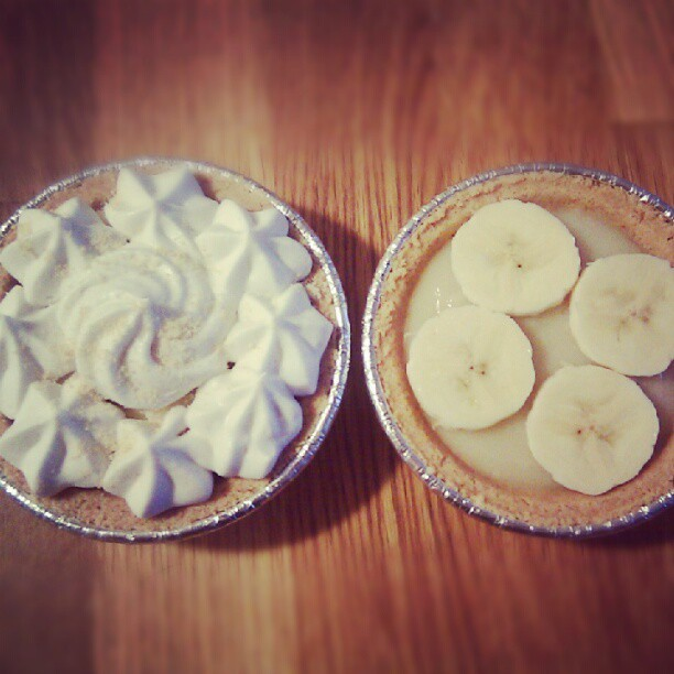 Mini banana cream pies in the works, still trying to perfect the recipe #vegan #blowfishbakery
